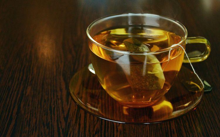 Dua cara menyeduh teh celup yang harus dihindari, ini alasannya