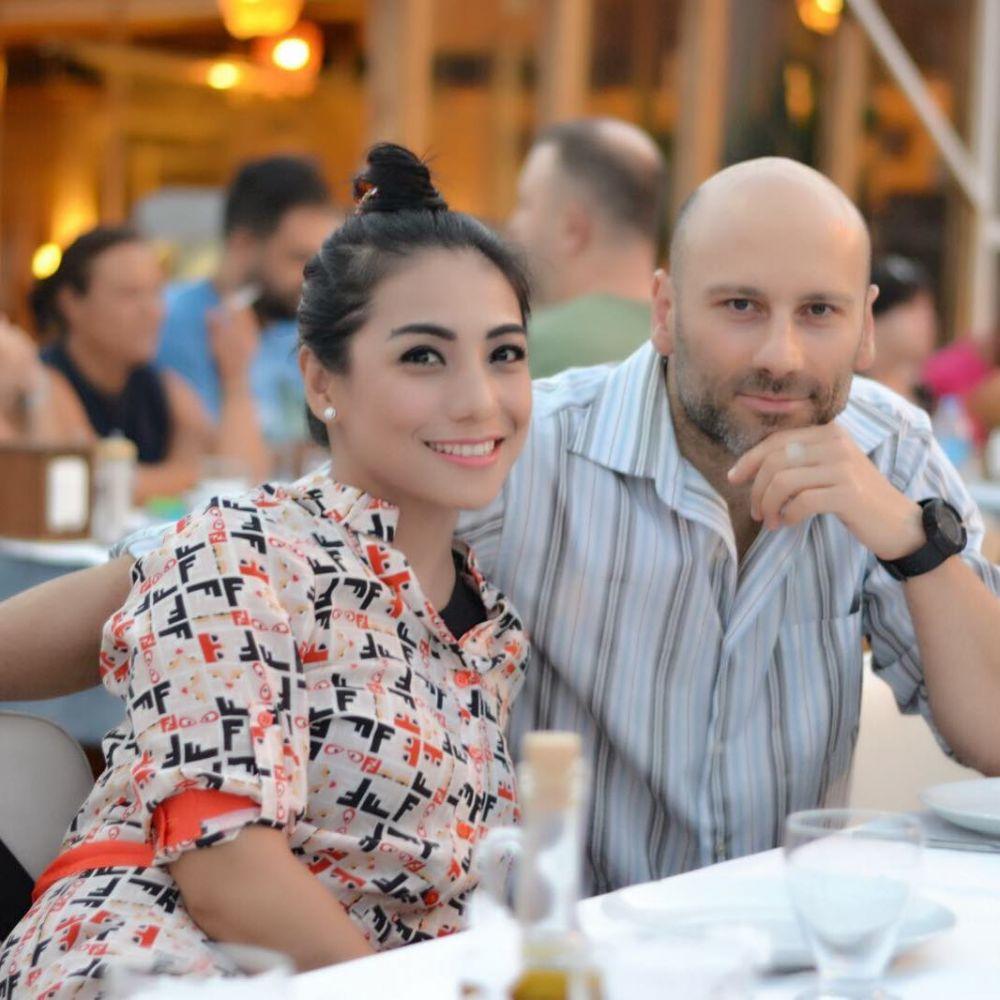 Siti KDI dan suami bulenya instagram