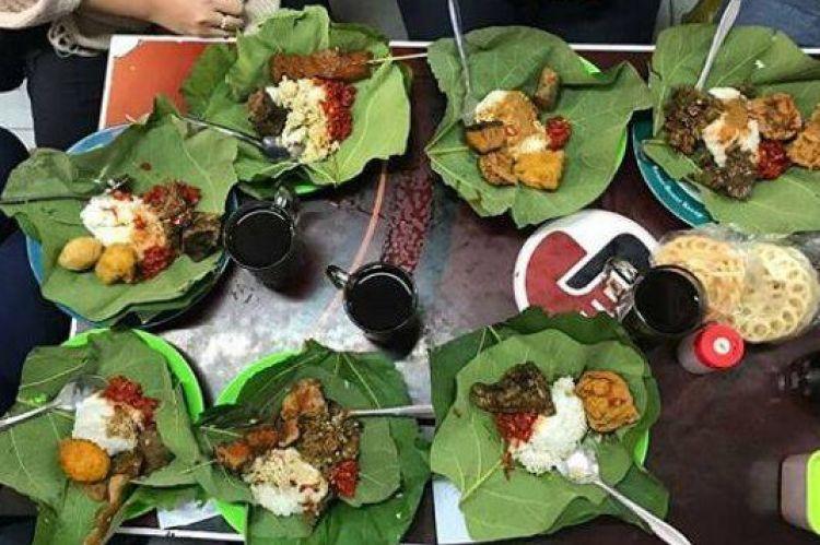 3 Manfaat membungkus makanan dengan daun jati, menambah aroma