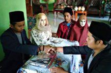 Pria viral 'menikahi' manekin beri kejutan ultah, ini potretnya