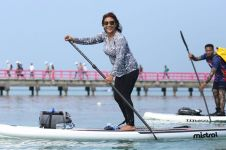 Tantang Mark Zuckerberg balap paddle, Menteri Susi mau saham Facebook