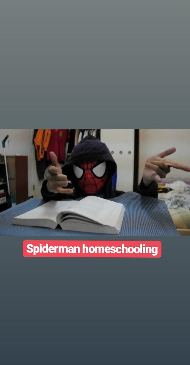 pelesetan judul spiderman © 2019 brilio.net