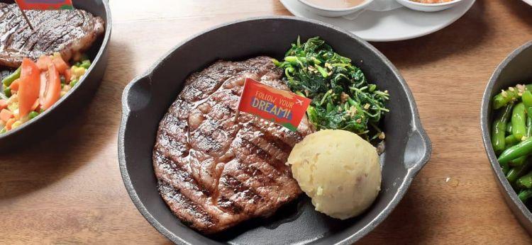 Tips membuat steak daging sapi di rumah ala restoran