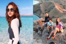 10 Potret liburan keluarga BCL di Pulau Komodo, gaya jadi sorotan