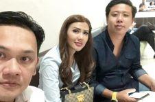 Foto bareng Pablo & Rey Utami, Farhat Abbas sindir pengacara lain?