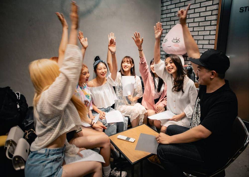 Bintangi klip Idol K-Pop istimewa