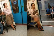 Heboh wanita lepas rok di kereta, alasannya tak kamu sangka