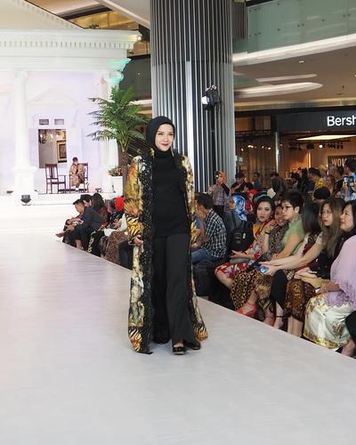 hijab batik inspirasi instagram