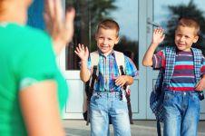 Hari pertama sekolah, ini 7 cara mengatasi anak yang rewel