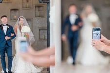 Tamu undangan foto seenaknya, potret pernikahan ini jadi gagal