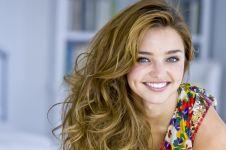 7 Persepsi bagi wanita yang memiliki lesung pipi
