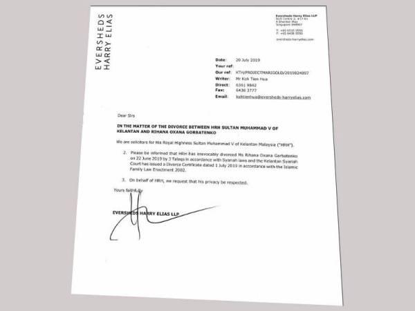 Diisukan Cerai Ini 7 Foto Mesra Raja Malaysia Oksana V