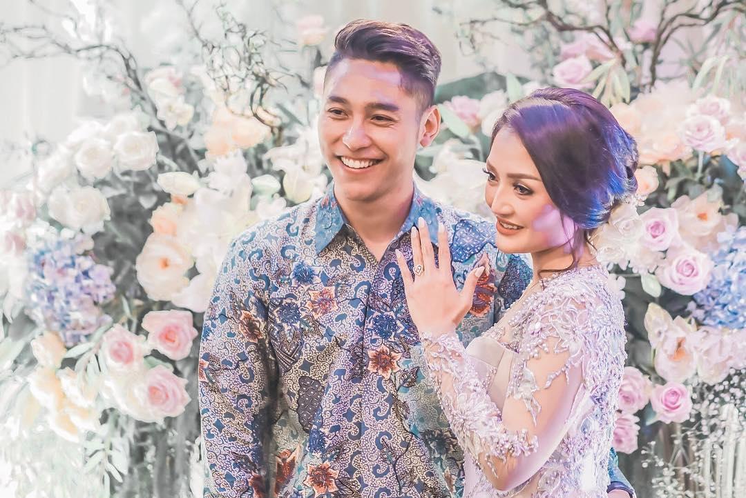 10 Pesona Krisjiana Baharudin, pria tampan calon suami Siti Badriah