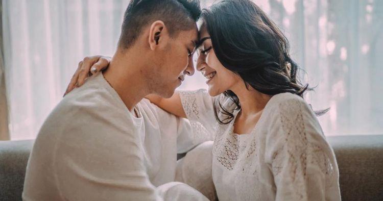 Perjalanan cinta Siti Badriah dan Krisjiana hingga ke pelaminan