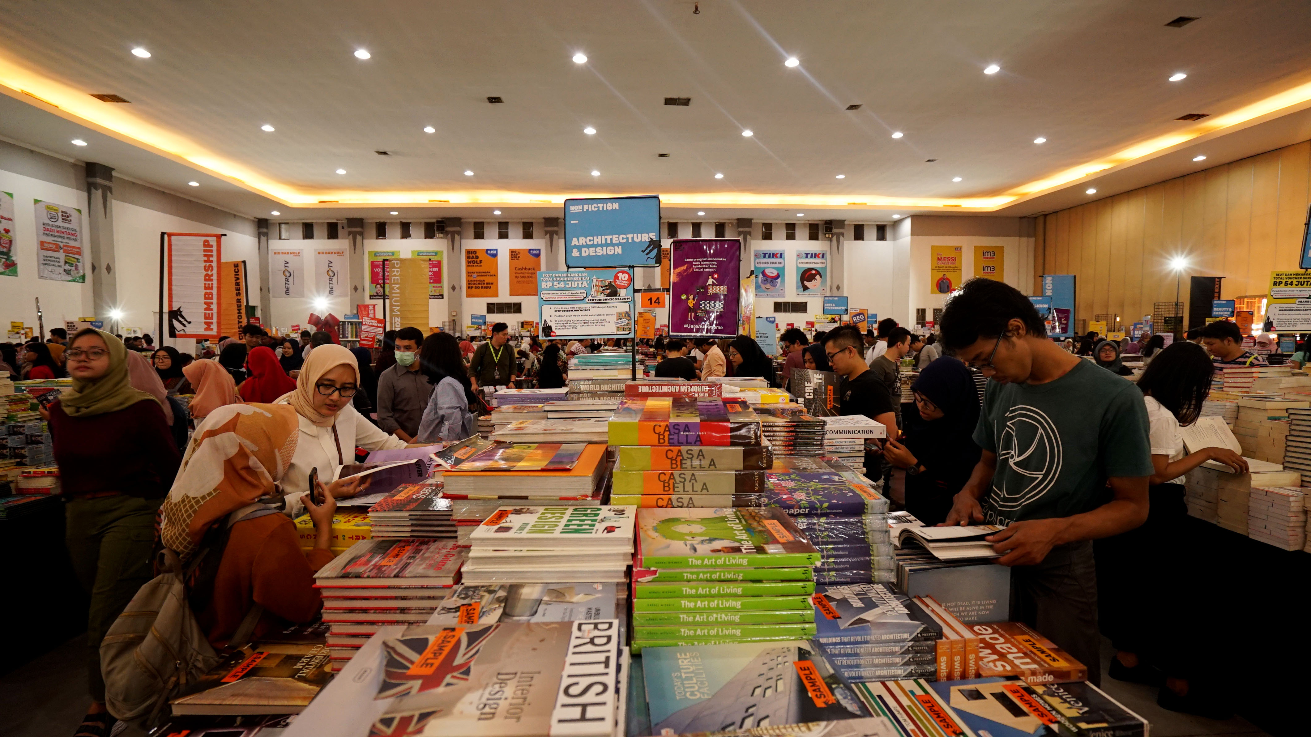 7 Alasan Big Bad Wolf Yogyakarta wajib pencinta buku kunjungi