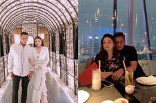 7 Potret romantis Teuku Rafly dan istri, terpaut usia 18 tahun