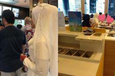 Aksi viral sepasang pengantin usai akad nikah ini curi perhatian