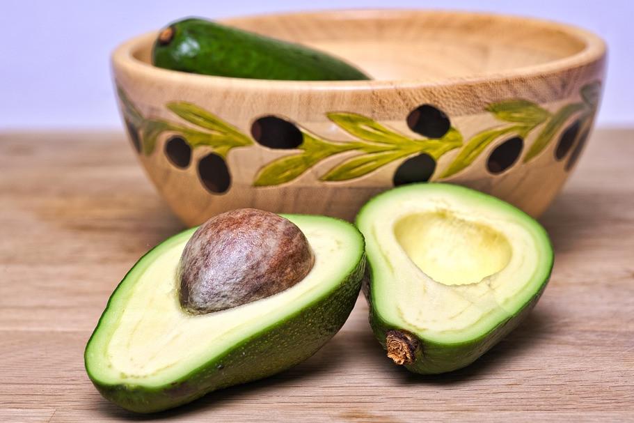 6 Manfaat minyak alpukat untuk kecantikan, menghaluskan kulit