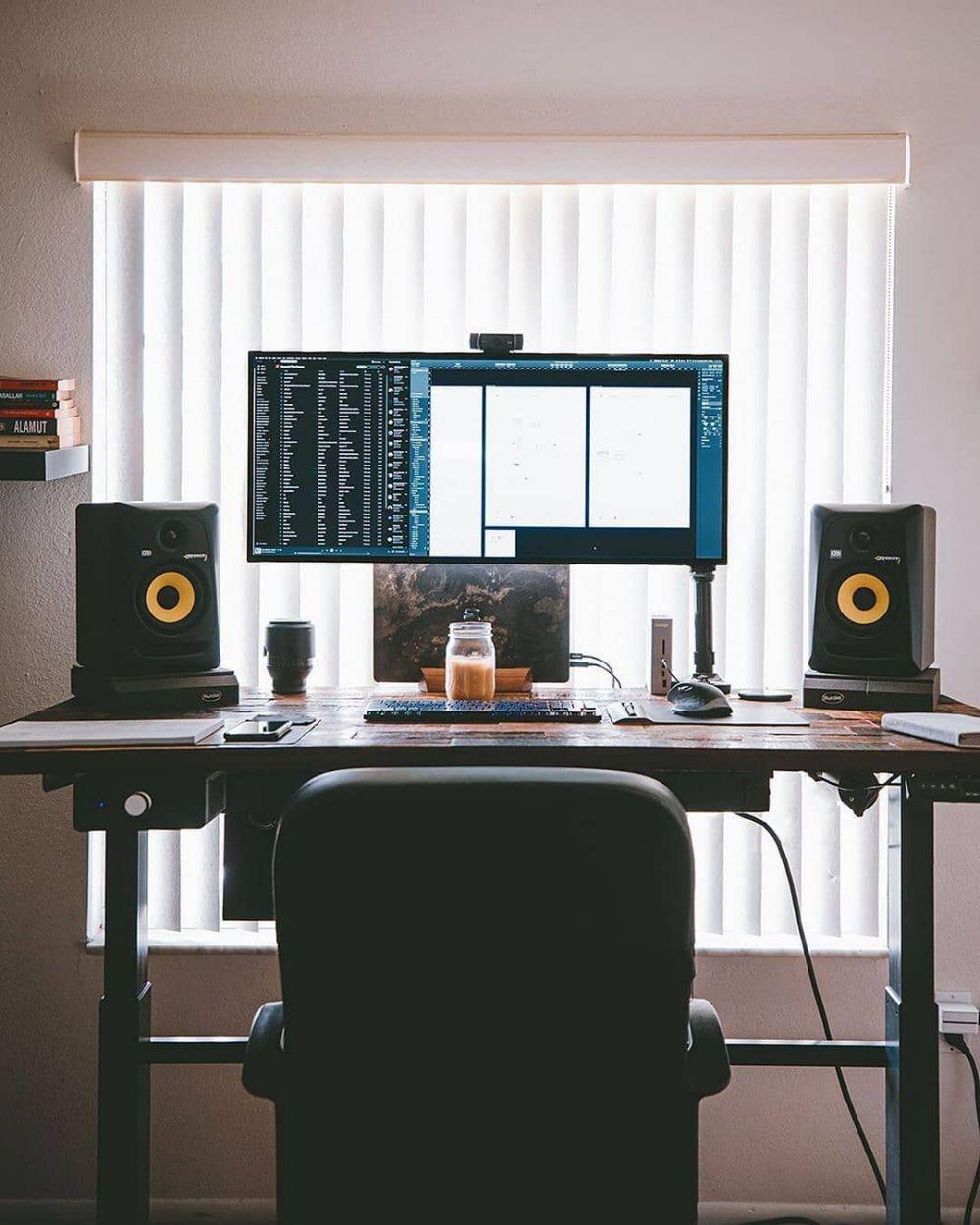 1073246 1000xauto desain ruang kerja minimalis