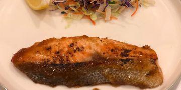 Salmon Guriru hadir sebagai sajian menu sehat di Hokben
