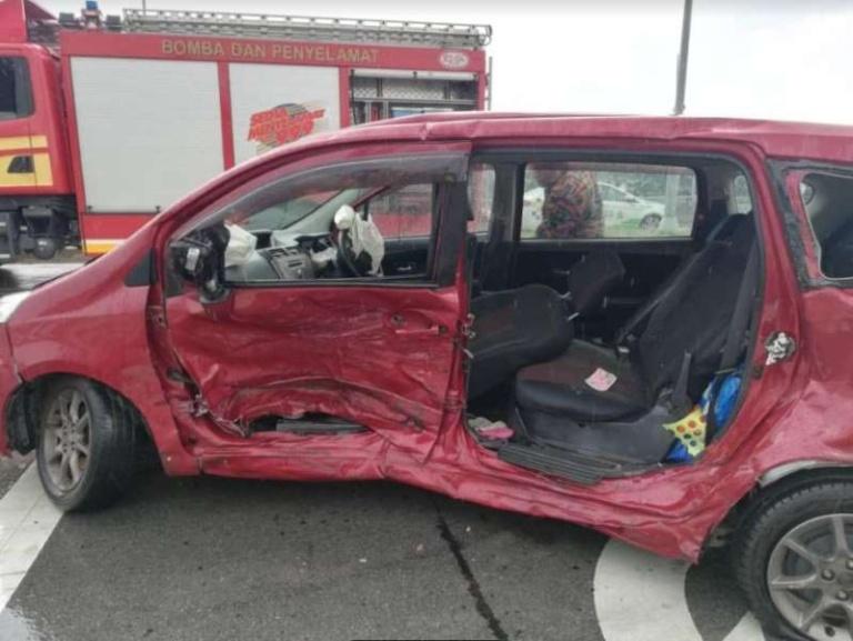 kecelakaan mobil © 2019 brilio.net