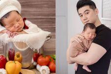 6 Potret newborn baby Arthur anak Chef Arnold, temanya unik
