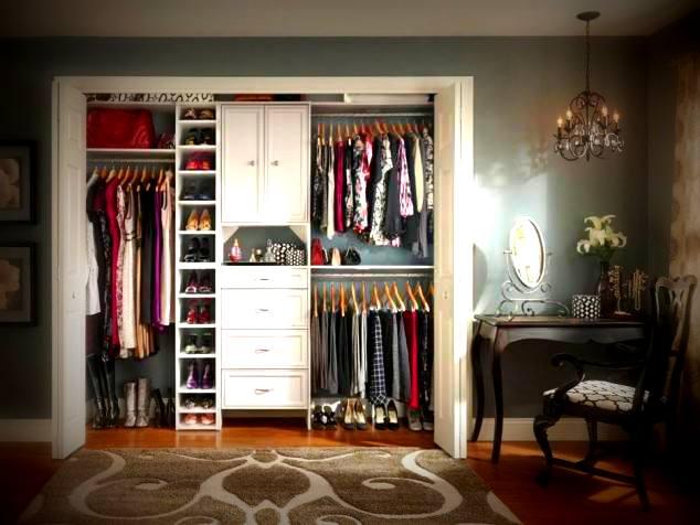 Desain lemari pakaian tanpa pint istimewa