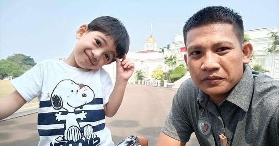 Ikut Jokowi dalam family gathering, polah Jan Ethes bikin gemas