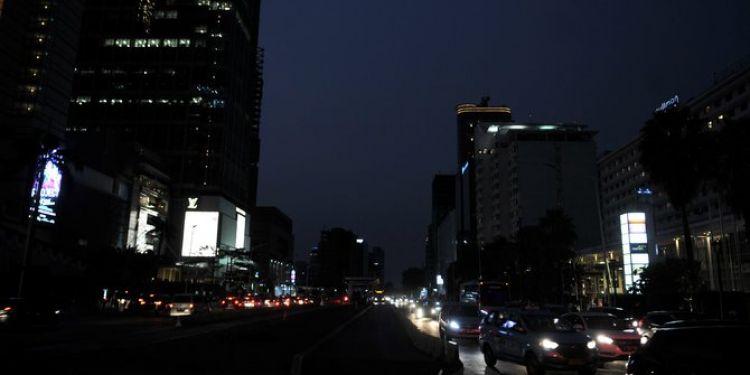 4 Kisah tragis dampak mati lampu di Jakarta, kebakaran hingga ngungsi