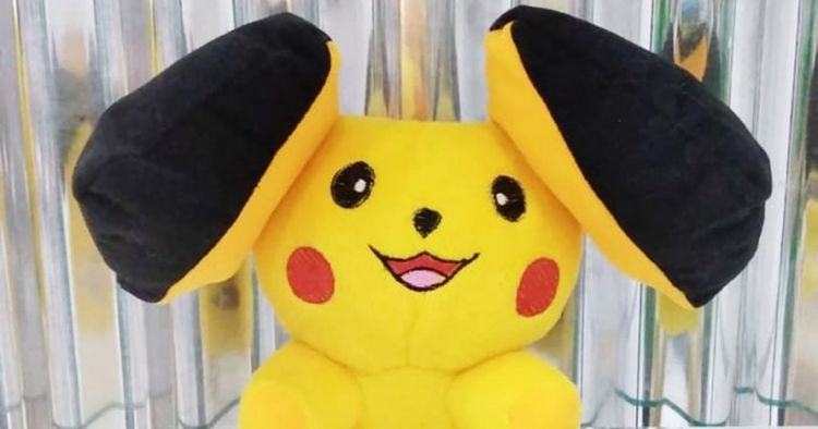 10 Bentuk boneka Pikachu ini nyelenehnya bikin gagal lucu