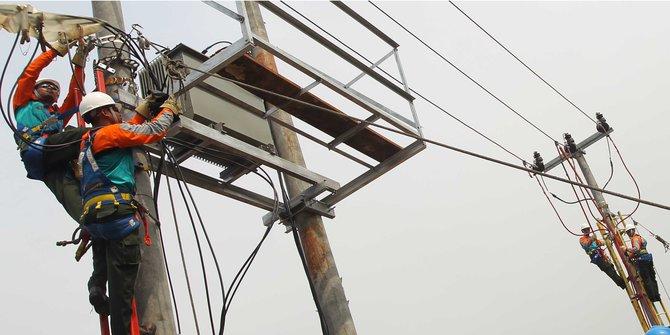 Siapkan kompensasi listrik mati Rp 839 M, PLN potong gaji pegawai