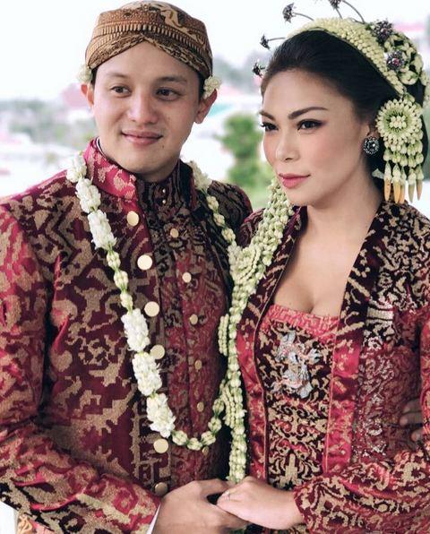 Resepsi pernikahan mewah lebih dari dua kali © 2019 brilio.net