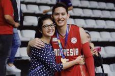 Mikha Tambayong & Daniel Wenas kompak hapus foto di Instagram, putus?