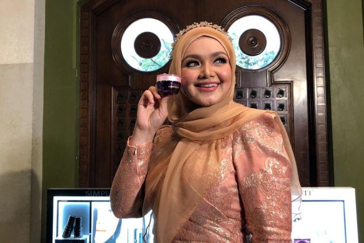 Selalu awet muda, ini produk kecantikan yang Siti Nurhaliza pakai