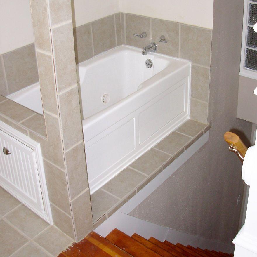 Desain nyeleneh real estate boredpanda.com