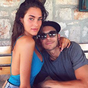 8 Momen kedekatan Valentino Rossi & pacarnya, beda usia 16 tahun
