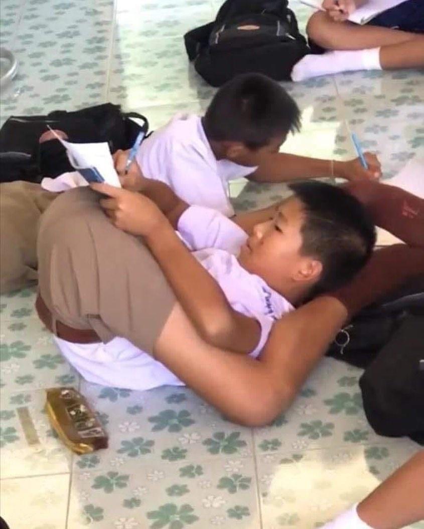 siswa iseng belajar © 2019 berbagai sumber