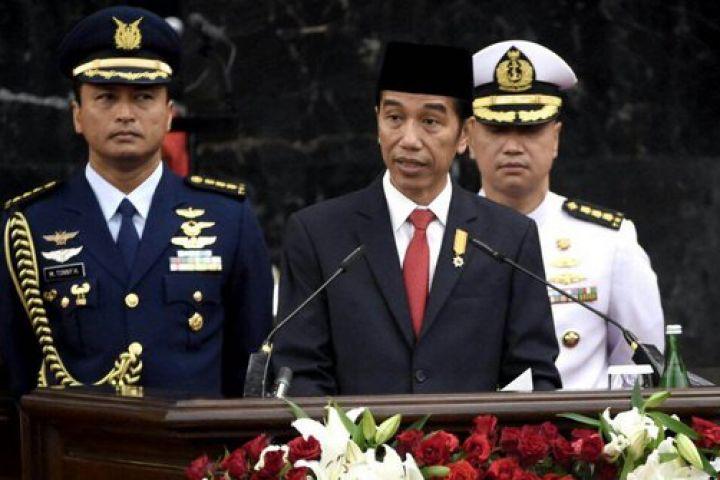 Jokowi: Undang-Undang yang menyulitkan rakyat harus dibongkar