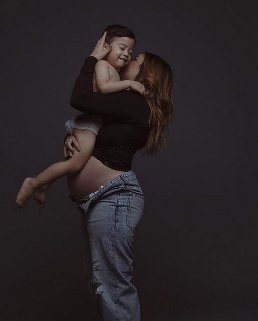 Seleb ini tuai kritik saat hamil  © 2019 brilio.net