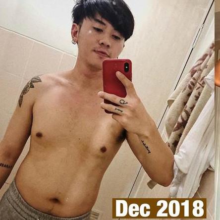 7 Pesona Rafael Tan pamer tubuh kekar, bikin susah kedip