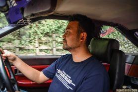 Kisah pria naik mobil tempuh jarak 32 ribu km untuk nikahi kekasih