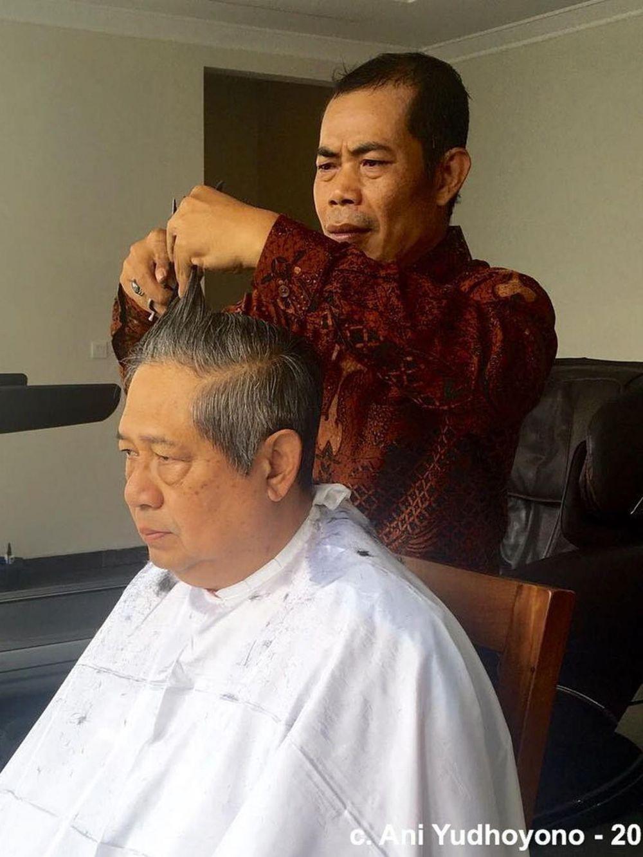 presiden cukur rambut instagram