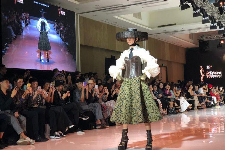 Eksplorasi Kain Negeri 6 desainer di JFFF 2019, etnik khas Indonesia