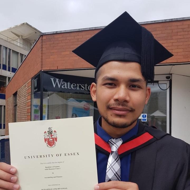 lulusan terbaik © 2019 brilio.net