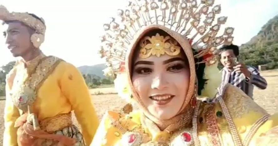 Viral pengantin jalan kaki lewati sawah, bukti kesederhanaan cinta