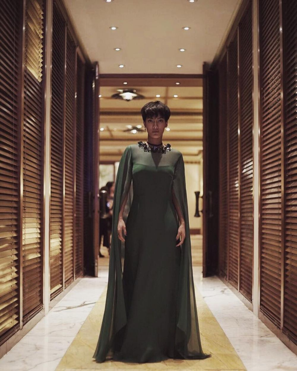 Pesona Tara Basro kenakan gaun  © 2019 brilio.net