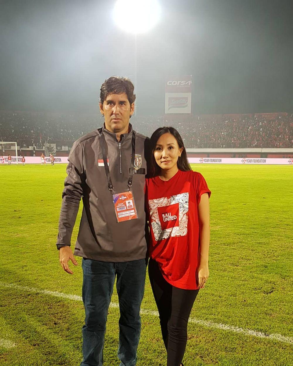 pelatih asing istri indonesia © 2019 brilio.net