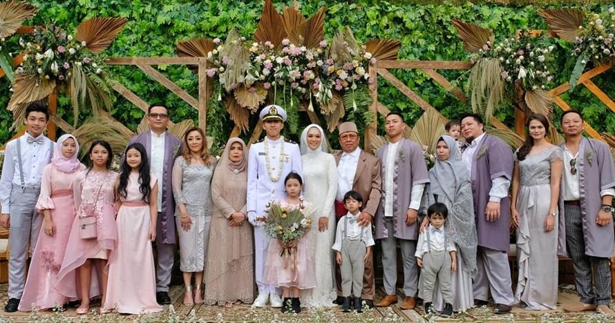 11 Momen pernikahan adik Ringgo Agus Rahman, nikahi tetangga sendiri