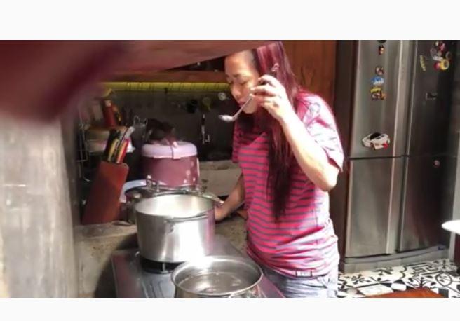 gaya seleb di dapur  © 2019 brilio.net
