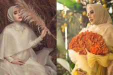 7 Potret maternity Kartika Putri, unik dan elegan